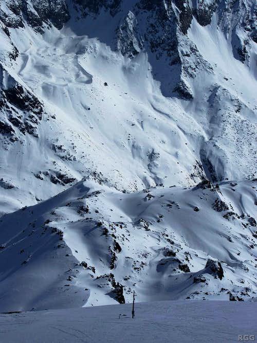 Looking down on Mont des Ritses (2867m) from the SE slopes of Mont de l'Etoile