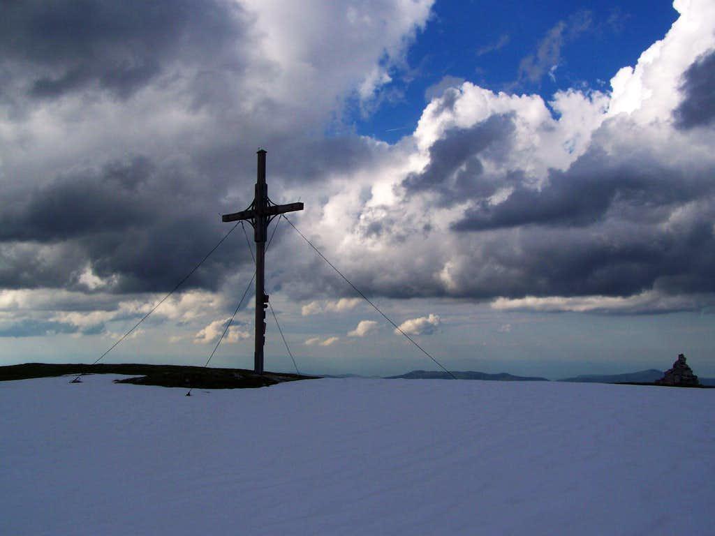 The summit cross of Göller