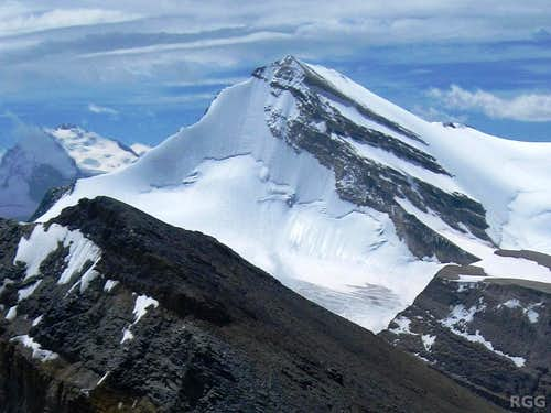 Brunegghorn north face and NW ridge from high on Üssers Barrhorn