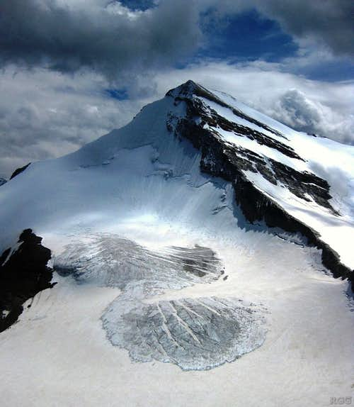 Brunegghorn N face and NW ridge from the summit of Schöllihorn