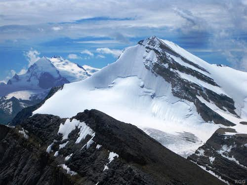 Zooming in on the Brunegghorn north face and NE ridge from the summit of Üssers Barrhorn