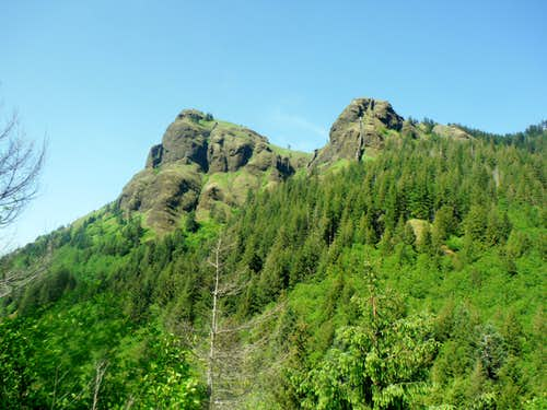 View from a subpeak of Saddle Mountain