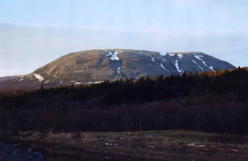 Gros Morne in late May of 1991