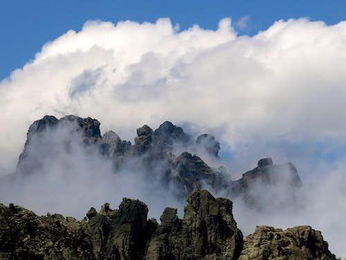 Clouds games amongst Aiguilles de Bavella
