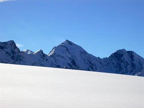 Il Paramont (3301 m.) salendo...