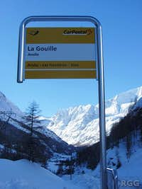 Bus stop at La Gouille