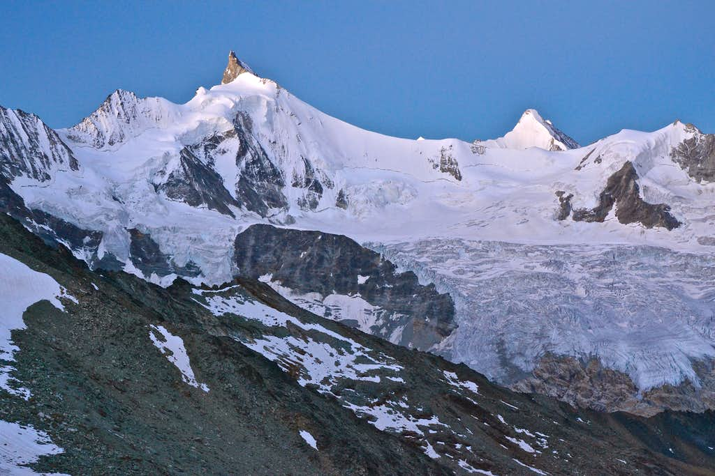 Dawn on the Col de Tracuit