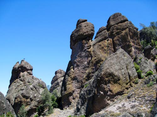 Pinnacles Along Juniper Canyon Trail
