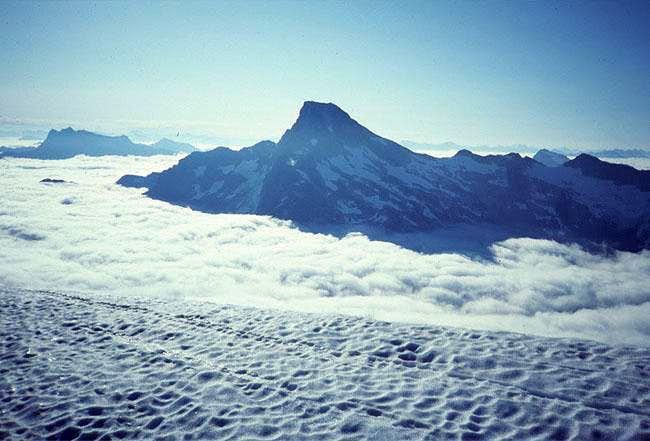 Luna Peak from the NE slopes...