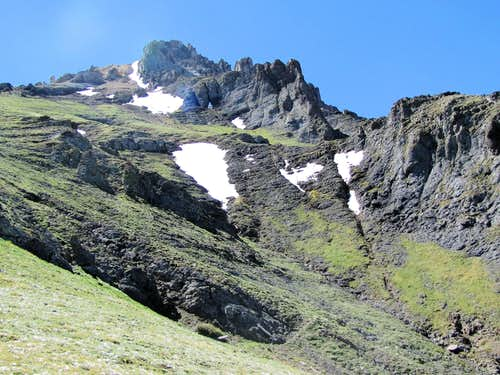 On the northwestern ridgeline of Palmyra Peak