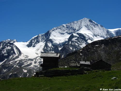Climbing and hiking in the Val d'Hérens