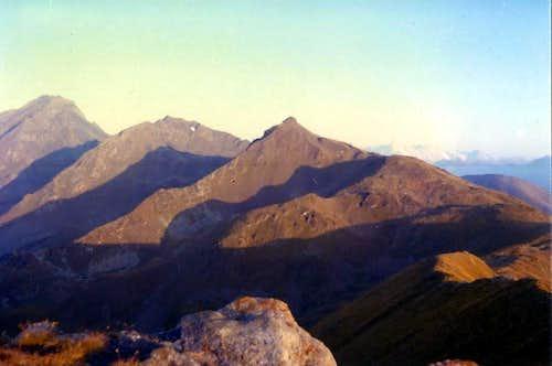 M. Fallère The long shadows of the very long Ridge East-northeast 1974