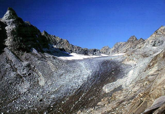 Gran Paradiso GROUP: Ciardoney glacier  on the southern side of the range