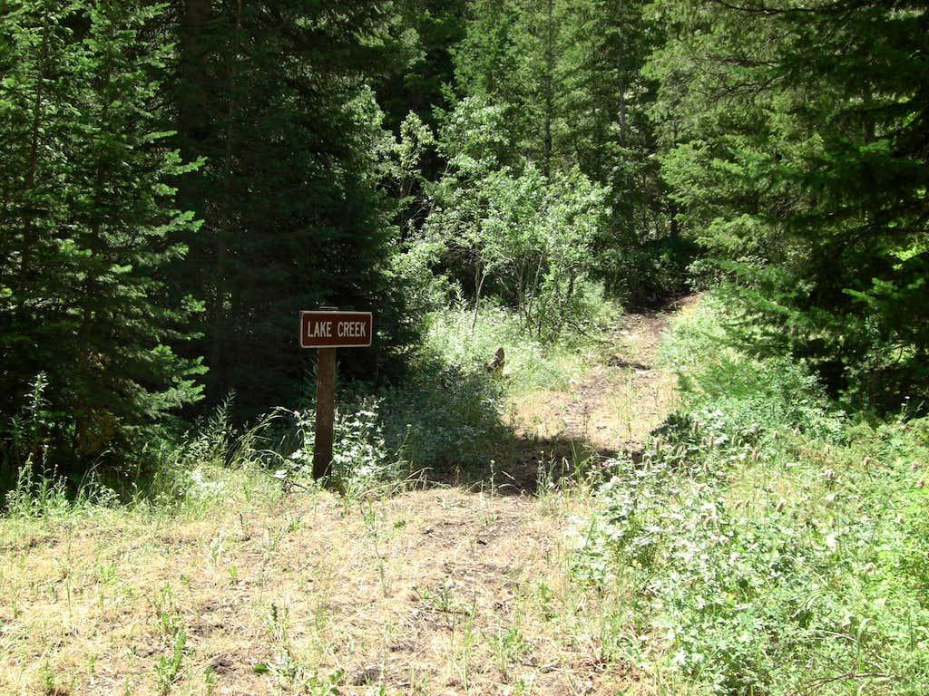 LAKE CREEK Trail-sign