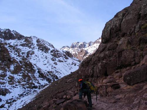 Heading toward Refuge Toubkal