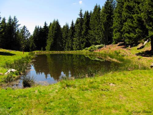 The small lake just above Mornera