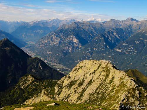 Grand summit veiw towards Rheinwaldhorn and the Leventina valley