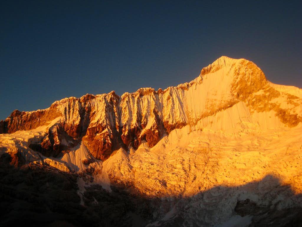 Sunrise on Huandoy