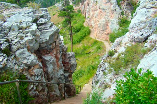 Canyons Trail Near Old Caves