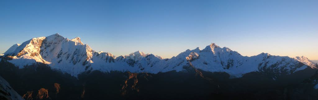 Huascaran panorama from Urus