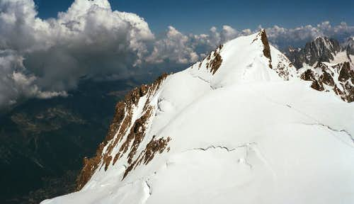 Mont Maudit with Éperon Gousseault, the second rock ridge from the left