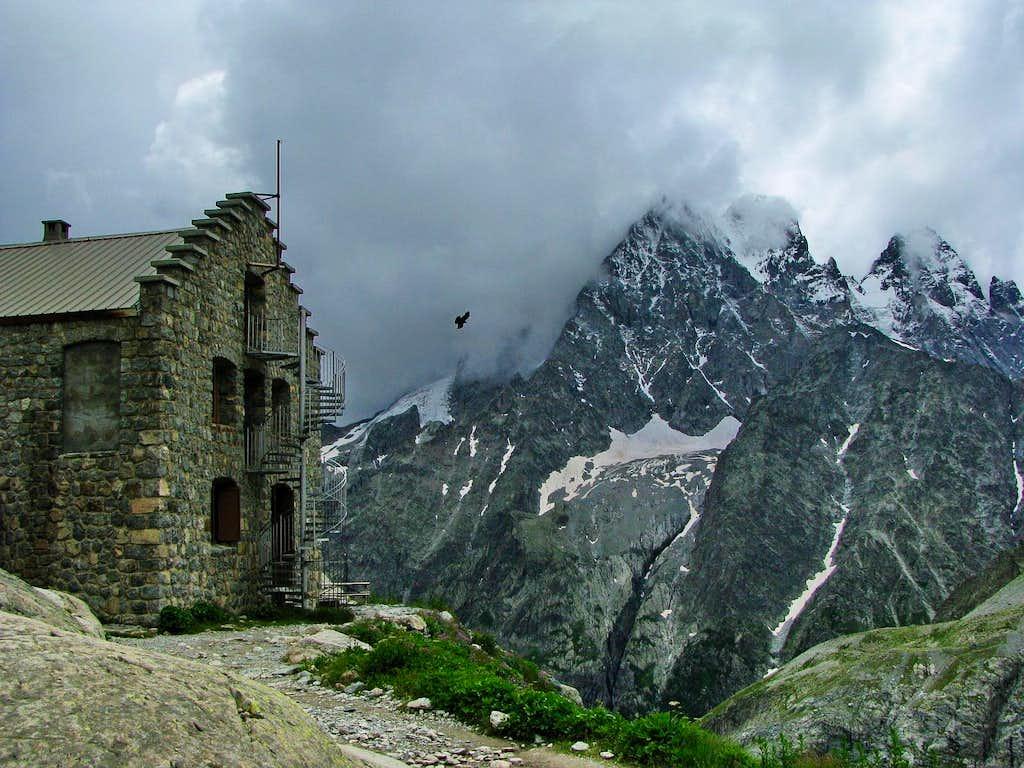 Refuge du Glacier Blanc and Mont Pelvoux