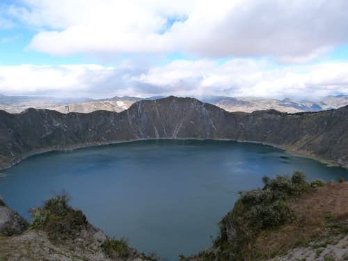 Hiking around Lake Quilotoa