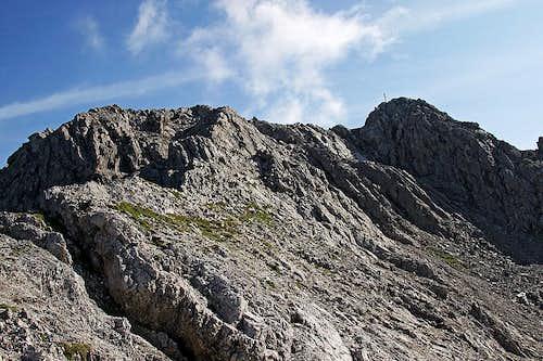 On Widderstein summit (W) ridge