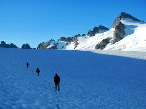 Neve Glacier Crossing