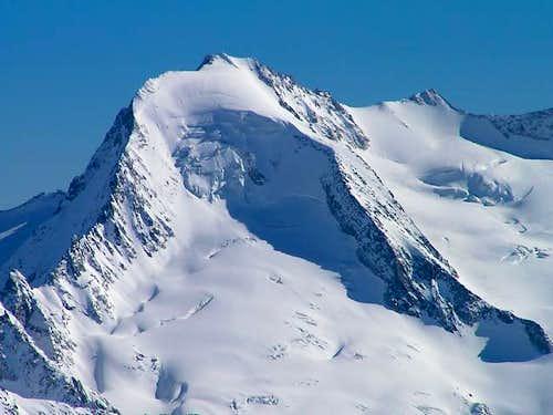 Beautiful ice-capped Möseler...