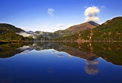 Morning reflections on Llyn Gwynant