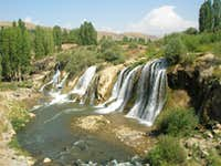 Muradiye Waterfall