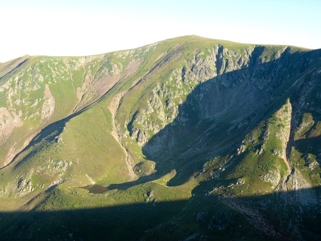 Galbena peak (2194m)