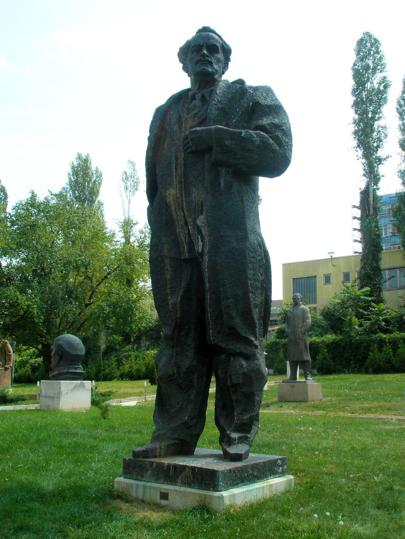 Georgi Dimitrov Statue