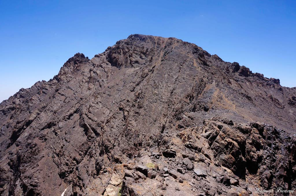 Jbel Toubkal (4167m) as seen from Imouzzer (4010m)