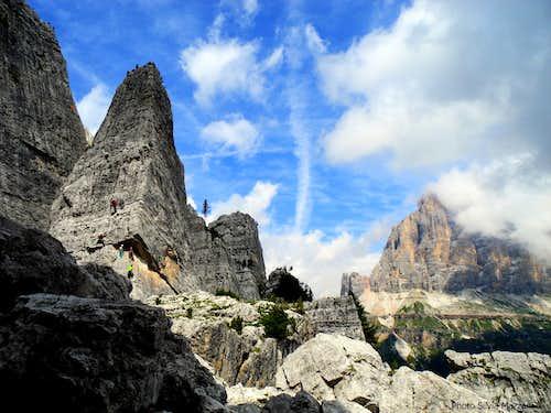 Torre Quarta Bassa and Tofana di Rozes from Torre Barancio