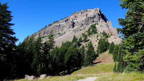 The east face of Applegate Peak