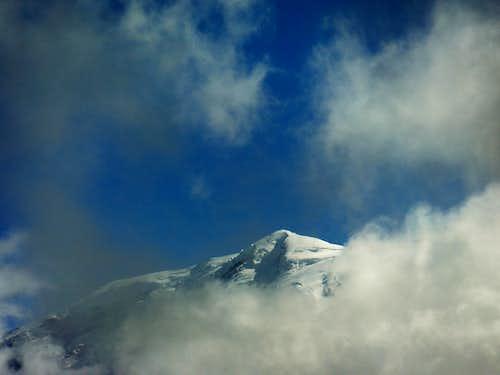 The summit top of Rainier