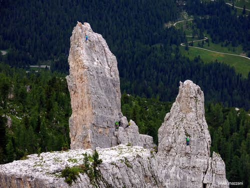 Climbers on Torre Inglese