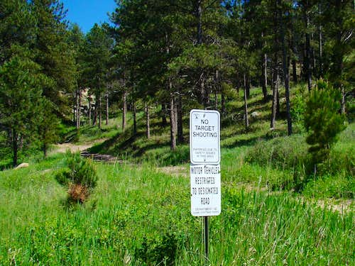 Hiker-Friendly Signs
