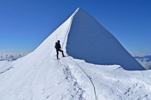 Final crest to Castor summit 4223m