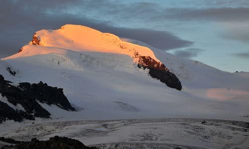 Strahlhorn 4190m at second light