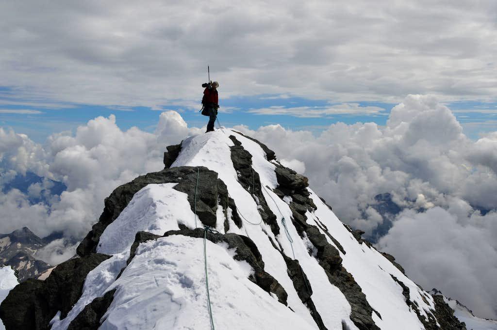Strahlhorn 4190m summit view