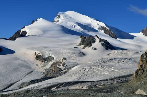 Strahlhorn 4190m