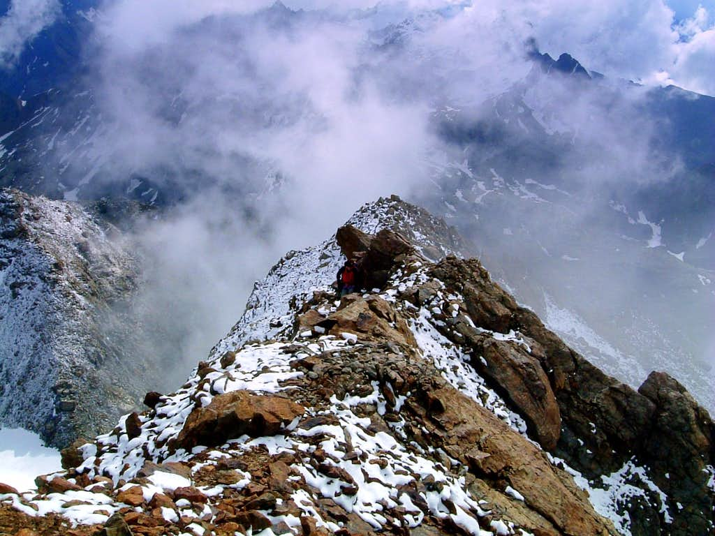 Last steps before the summit of Becca di Luseney