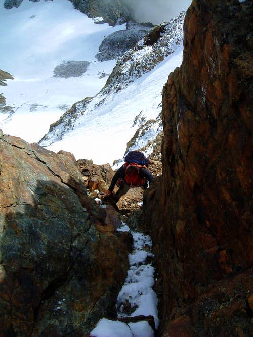 Becca di Luseney, rocky gully on the summit ridge