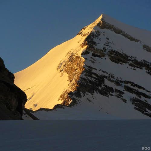 First light on the Brunegghorn north face