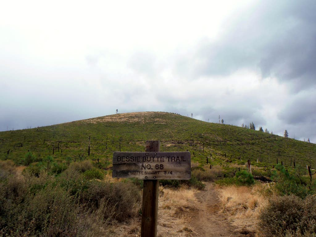The trailhead of Bessie Butte as a storm approached