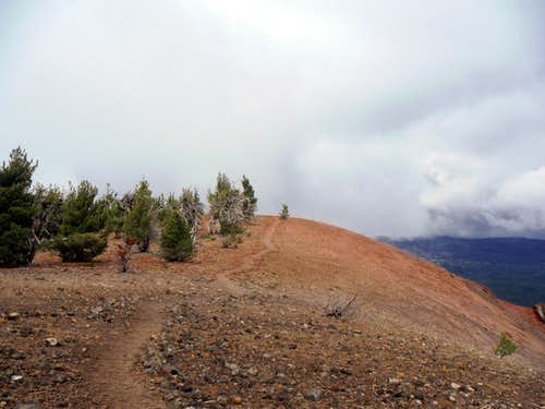 The trail to the summit of Tumalo