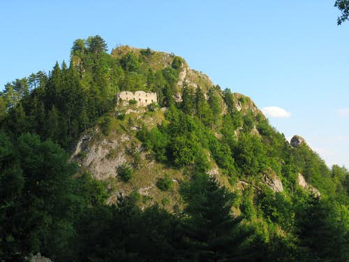 Vršatec Castle Hill
